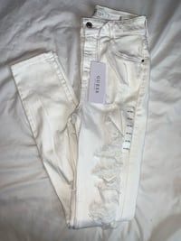 Guess high waisted white denim size 26 new w/tags Calgary