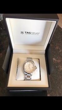 TAG HAUER brand new in box. Warranty card Rosemère, J7A