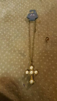 Gold lated cross necklace w/ pearls San Antonio, 78223