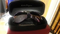 silver-colored framed sunglasses with case 紐約, 11354