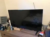 Black flat screen tv with remote Inglewood, 90301