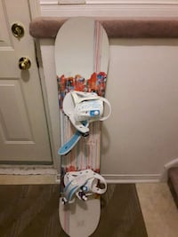 white and blue snowboard with bindings Barrie, L4N 8W6