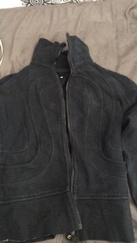 Lululemon sweater no hood New Westminster, V3M 5K5