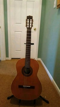 La Patrie classical guitar with Gaurdian hard case Bowie, 20720