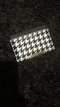 black and white houndstooth wristlet Central Okanagan, V4T