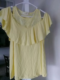 Yellow off the shoulder top  Palm Harbor, 34683