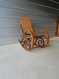 Rocking Chair null