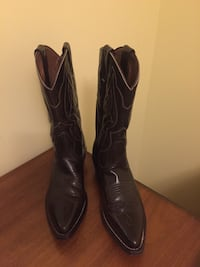 Pair of brown leather heeled cowboy girls boots almost brand new size 36-37