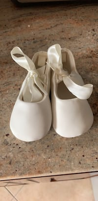 Beige  shoes  size 3  New York, 11204