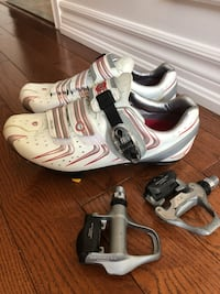Road bike shoes and pedals Waterdown, L8B 0M3