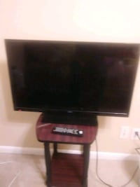 32 inch SEIKI flat screen TV. In very good condition. Has remote