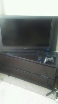Flat tv and ps2 with tv stand  Los Angeles, 90064