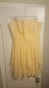 Size 18 yellow dress Savannah, 31401