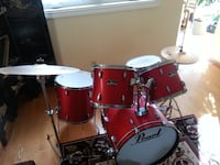 Pearl Forum Drum Set Thornhill