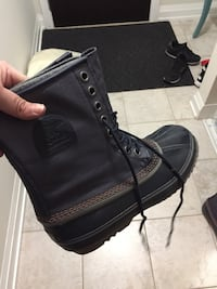 Black sorel leather duck boot size 10