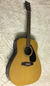 brown acoustic guitar Halifax, B3T 2E9