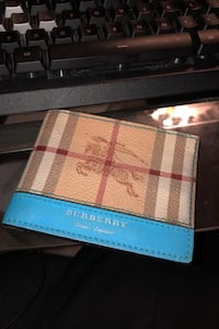 MINT CONDITION BURBERRY WALLET RARE BOUGHT FOR 599 brand new Richmond Hill, L4C 0B2