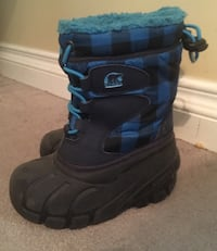 Sorel boots size 9 kids Pickering, L1V 3M9