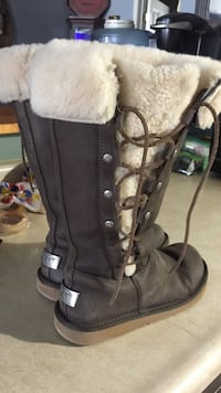 Pair of UGG chocolate  shearling boots Lucan Biddulph, N0M 2J0