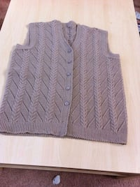 gray button up cable knit vest Kitchener, N2N