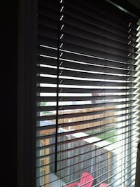 "2""  faux wood chocolate blinds in excellent condi"