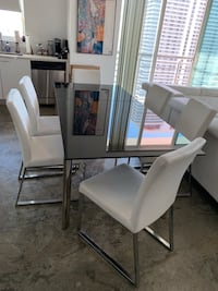 Modern expandable dining room set Miami, 33132