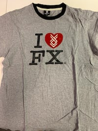 Finger cross tee