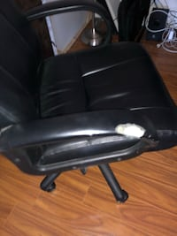 black leather office rolling armchair Los Angeles, 91423