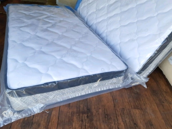 Organic new queen mattress europillowtop.  Deliver 1
