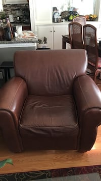 Brown leather padded sofa chair Goleta, 93111