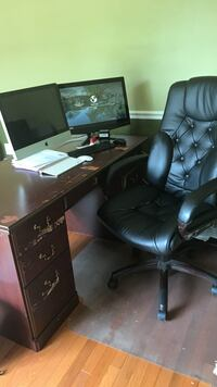 Presidential desk and chair combo  Gainesville, 20155