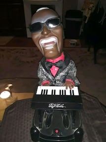 VINTAGE RARE RAY CHARLES BATTERY OPERATED 17IN TALL WORKS GREAT