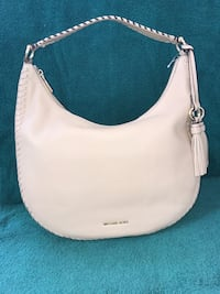 Michael Kors Lg hobo new with tags, $195, neutral oyster! Chesapeake, 23322