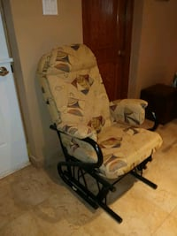 rocking chair in great condition  Montréal, H1E 1S4