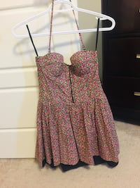 Floral dress size small pink Edmonton