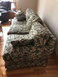 Couch Ethan Allen Valley Cottage, 10989