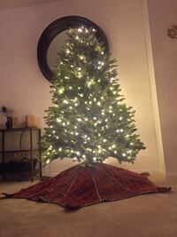 Balsam Hill Christmas Tree, pre-lit, 5 ft. (Includes storage bag) Alexandria, 22314