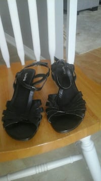 pair of black leather open-toe heeled sandals Courtice, L1E 2W2