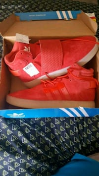 Brand new Adidas size 9 limited edition Pasadena, 91107