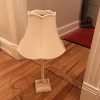 Vintage Lamp with working lightbulb! 40 km