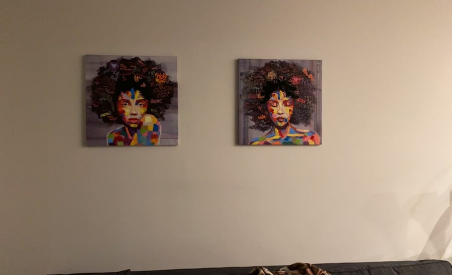 Two canvas Paintings. 01348250-1e87-42a1-aa2c-c8b0ebed5f65
