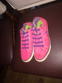 pink- converse one stars ( super bright an