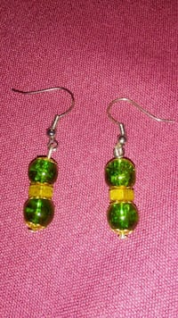 pair of gold-colored hook earrings Dumfries, 22026