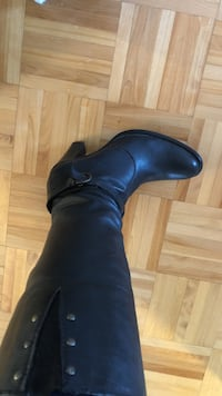 Pair of black leather dress shoes  size 40 Laval, H7G 6E6