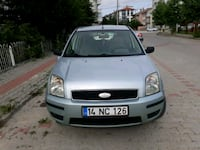 Ford - Fusion - 2004 8603 km