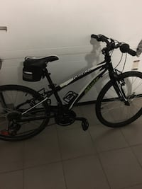 Black and gray hardtail bike Lorraine, J6Z