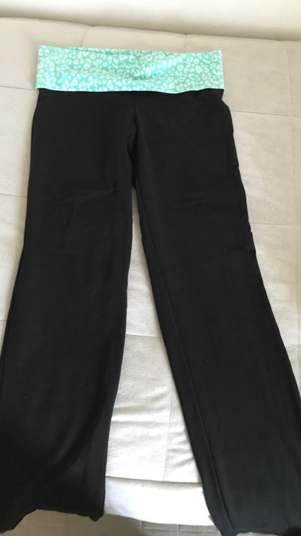 72077e8d432d1 Used Victoria's Secret yoga pants for sale in Poway - letgo