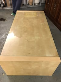 Brown wooden coffee table Richmond, V6Y 3G9