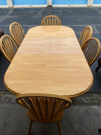 Wooden table with 6 pairing Chairs