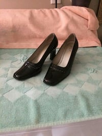 High heel shoes size 7.5 new